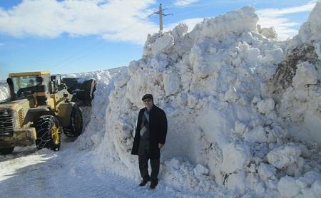 مهندس سعید فاتح -عملیات بازگشایی راه دسترسی تعدادی از روستاهای بخش مرکزی ورزقان