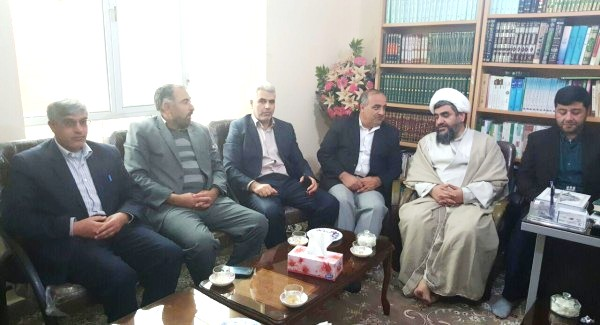 دیدار شهردار و اعضای شورای شهر ورزقان با امام جمعه محترم