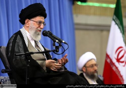 رهبر انقلاب اسلامی در دیدار جمعی از مسئولان و کارگزاران نظام