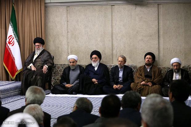 امام خامنهاي در ديدار با سران قوا و مسئولان و مديران ارشد نظام